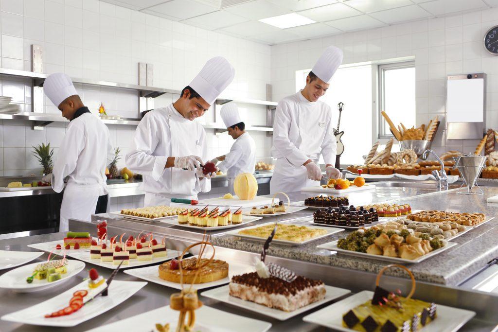 مأكولات شهيرة في سويس أوتيل المقام مكة
