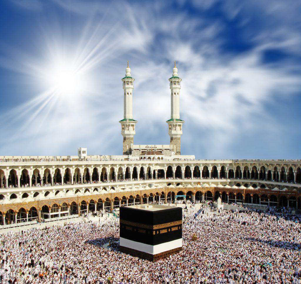 الزحام والطقس الحار في مكة قد يتسببان بمشاكل صحية.